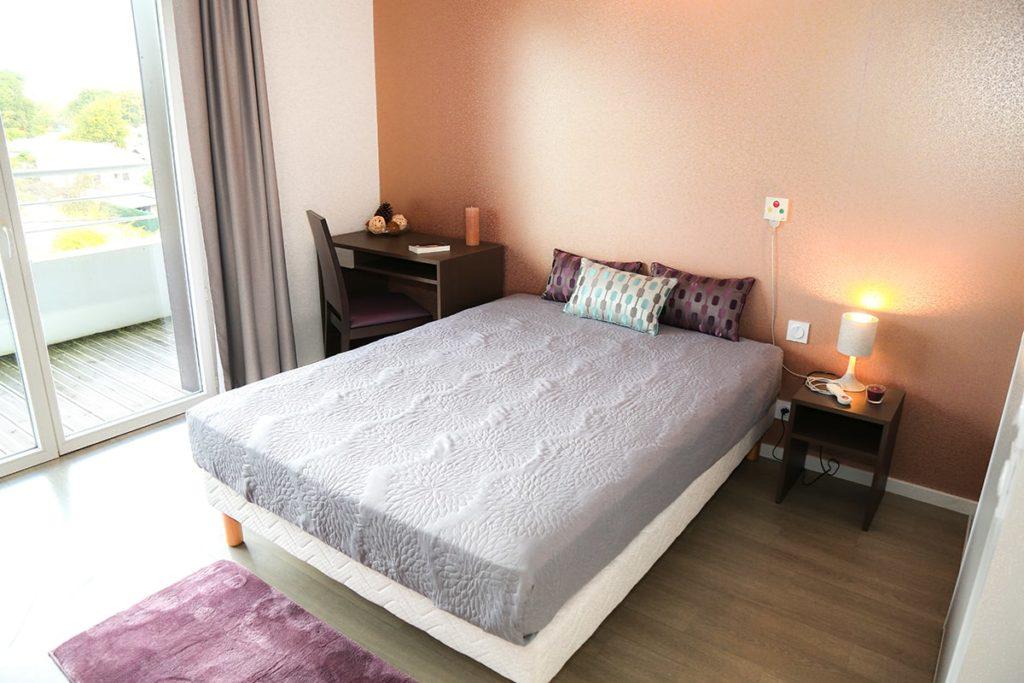 Chambre appartement T1, résidence seniors Danaé mérignac